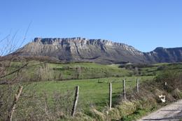 Sierra Salvada, Monte existente entre el Valle de Losa y el Valle de Mena